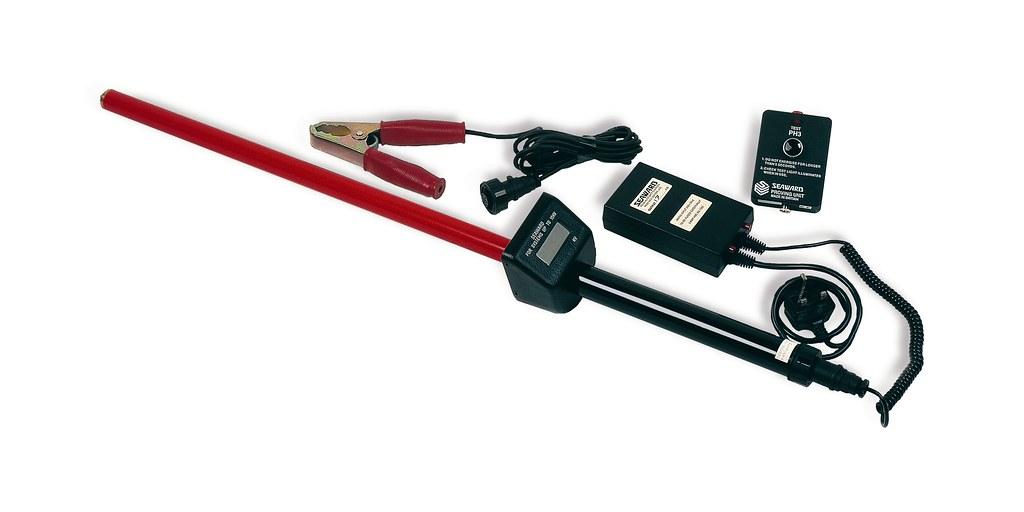 High Voltage Detector With Display : Seaward kd e d digital high voltage kv indicator vol