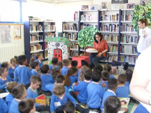 Visita CEIP Atalaya-Cantabria á Biblioteca de Chapela