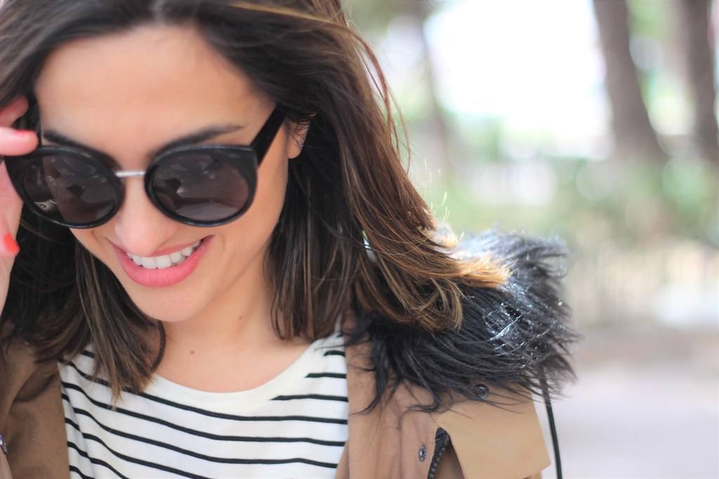 Rayas y gabardina_ Rojo Valentino Blog (24)