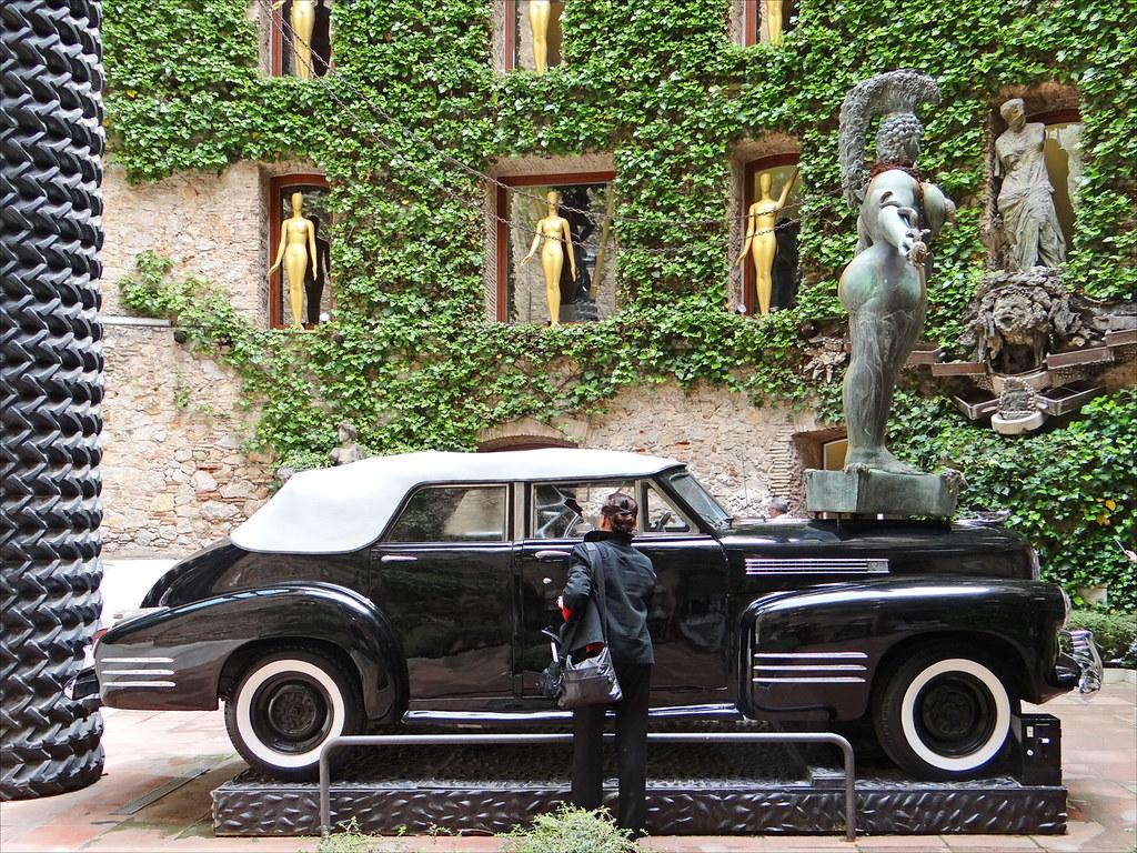 Le théâtre-musée Dali (Figueres, Espagne)   La Cadillac de ...