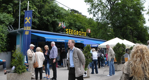 how to get to seegrotte from vienna