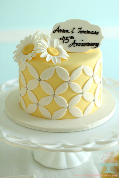 Daisy Yellow 45th Wedding Anniversary cake | For more pls go… | Flickr