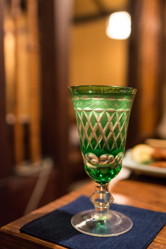 江戸切子のグラスで飲む日本酒