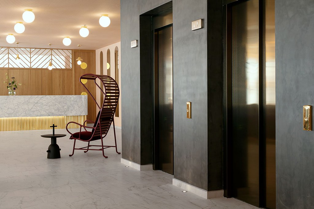 Modern hotel design in Madrid by Spanish designer Jaime Hayon Sundeno_05