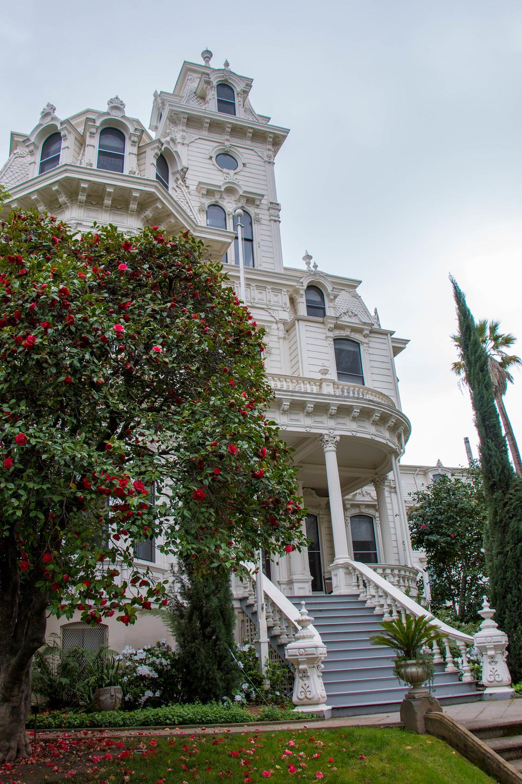 3.26. Sacramento Mansions Flat