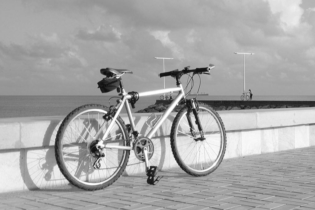 Resultado de imagem para bicicleta perto do náutico