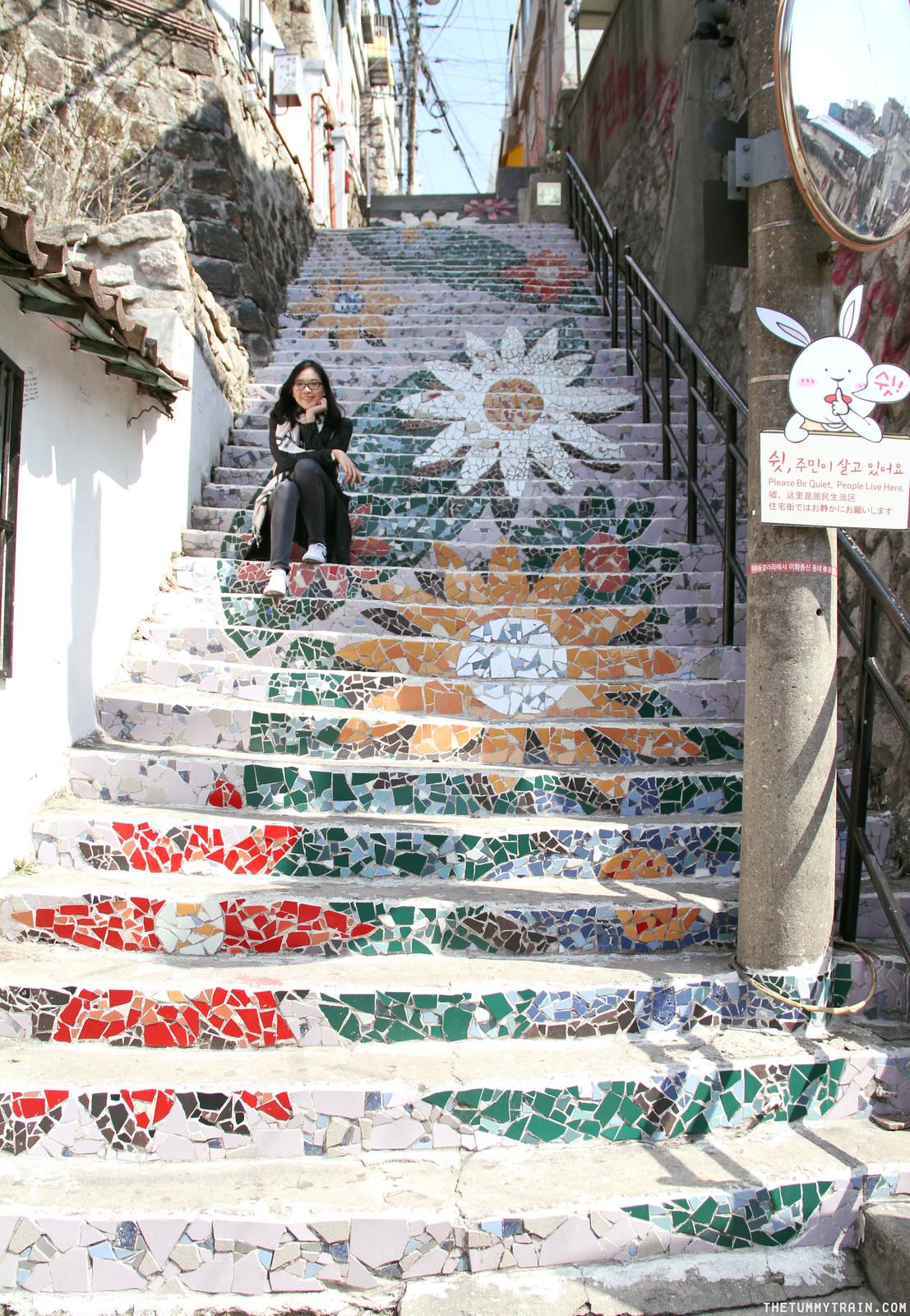 33495548081 c2b8a0943b h - Seoul-ful Spring 2016: A mini exploration of Ihwa Mural Village