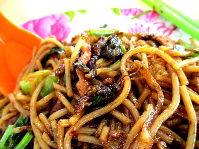 Rong Rong Seafood & Cafe fried chao chai hung ngang 1