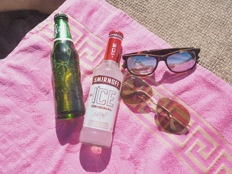rayban-smirnoffice-beach-life