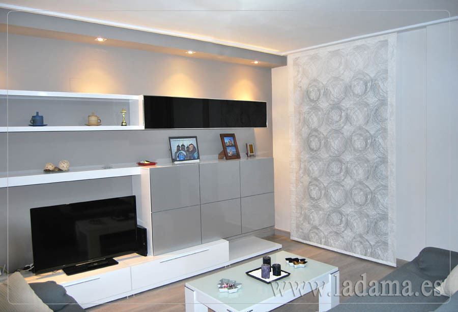 Estor c rculos sal n moderno visita nuestra web www for Decoracion cortinas y estores modernos