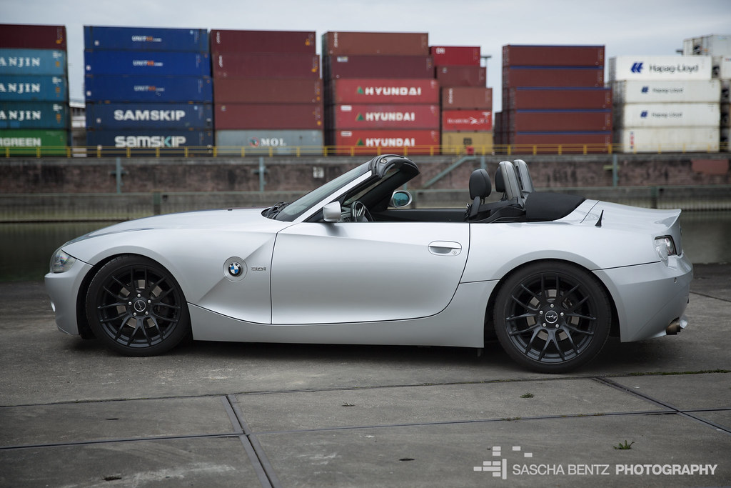 BMW Z4 at the docks | Sascha Bentz | Flickr