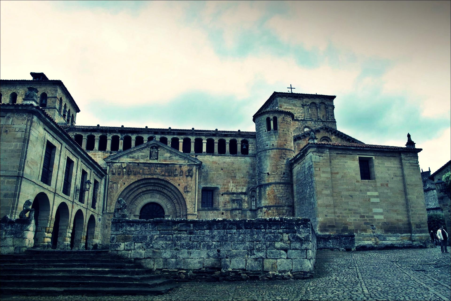 산타 훌리아나 성당(Colegiata de Santa Juliana)-'산티야나 델 마르(Santillana del Mar, Spain)'