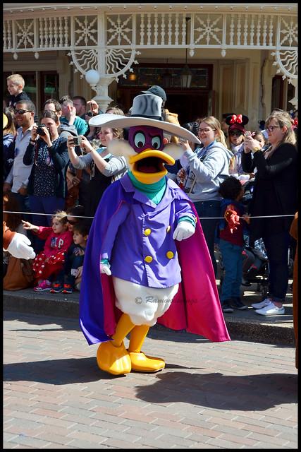 Vos photos avec les Personnages Disney - Page 38 33673003530_2f24e21649_z