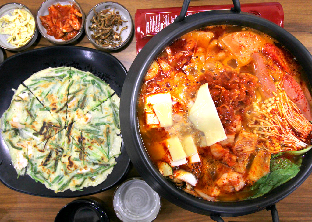 Muk-Bang Korean Restaurant