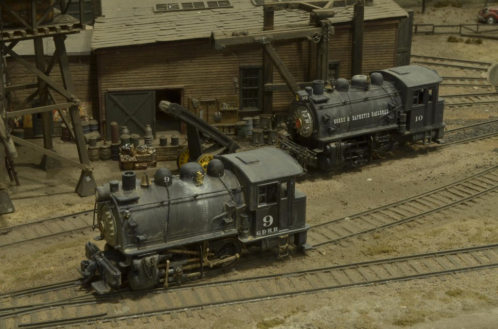 Gorre & Daphetid #9 and #10 0-4-0T engines on the D&GRN la