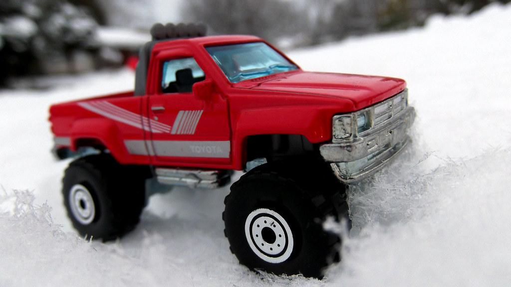 hot wheels cars in the snow 1987 toyota pick up truck. Black Bedroom Furniture Sets. Home Design Ideas