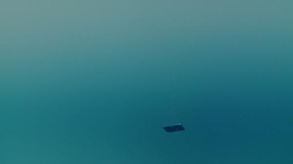 山崎賢人のGalaxy「昨日までを、超えてゆけ」湖に沈んでゆく山崎のGalaxy