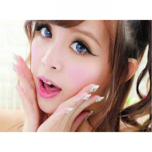 Tips for Buying Big Eye Contact Lenses According to Skin T ...