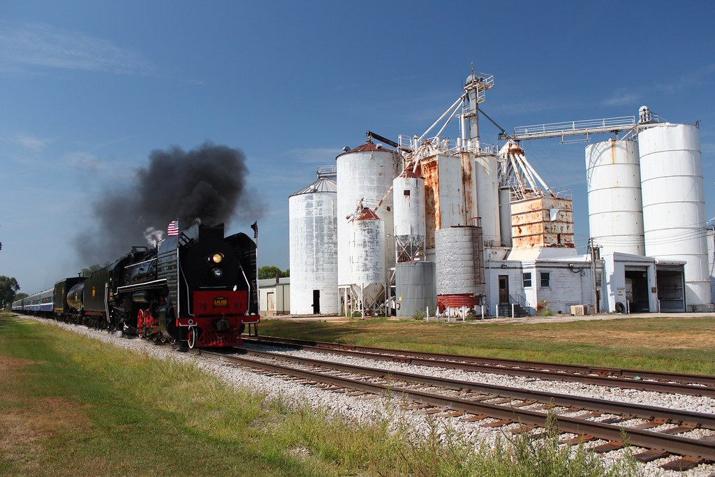 Iais 7081 and a fantastic day flickr for Bureau junction il