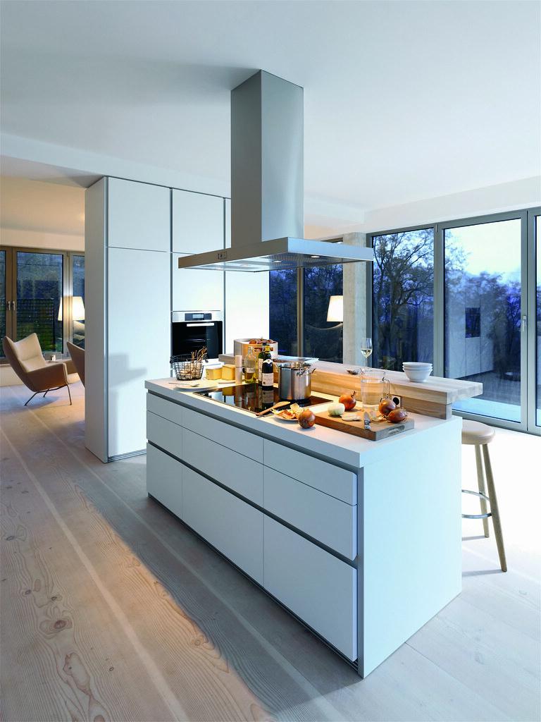 B1 keuken eiland met bar en hoge kasten tot plafond flickr - Keuken back bar ...