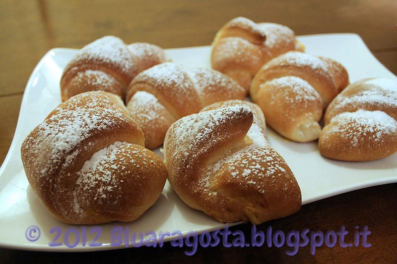 05-croissant con crema di ricotta allo zafferano