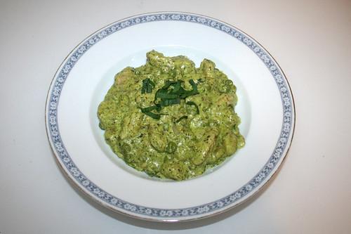 Gnocchi with turkey in ramson soft goat cheese sauce - Served / Gnocchi mit Pute in Bärlauch-Ziegenfrischkäse-Sauce - Serviert