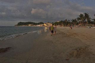 Puerto Galera - Beach at dusk
