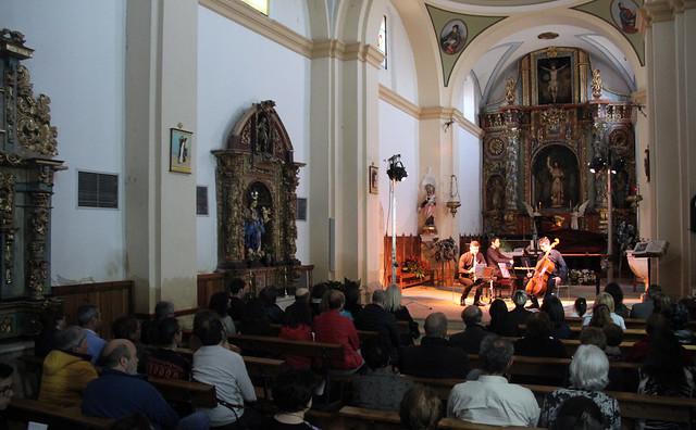 SONIDOS DE PRIMAVERA - MÚSICA EN SEMANA SANTA - TRÍO SCHOLA - SÁBADO 15 DE ABRIL´17 - IGLESIA CEREZALES DEL CONDADO