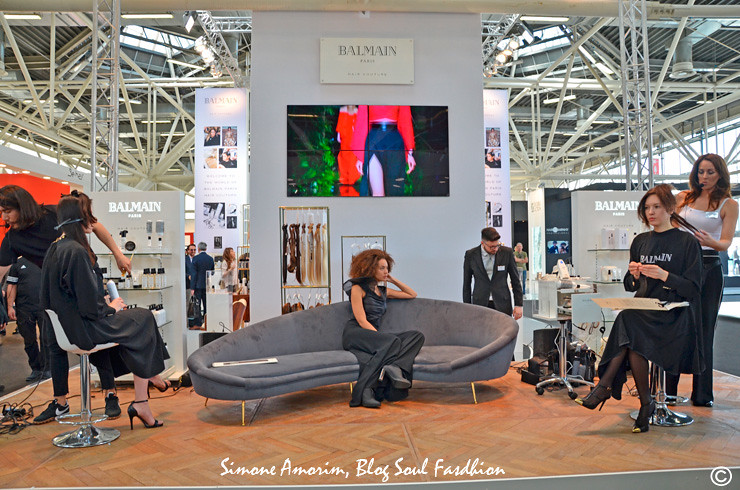Um dos stands mais lindos da Cosmoprof WorldWide Bologna 2017: Balmain Paris Hair Couture. Love it!