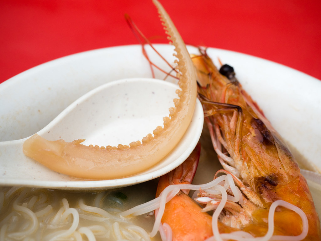 Fresh delicious squid and prawn in the Hennessy XO Seafood Bee Hoon.