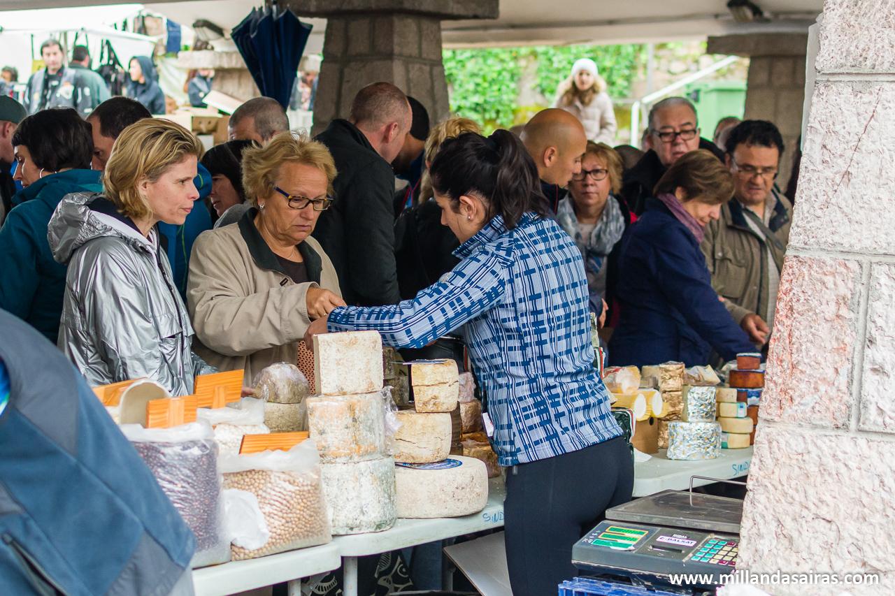 Mercado matutino de Cangas