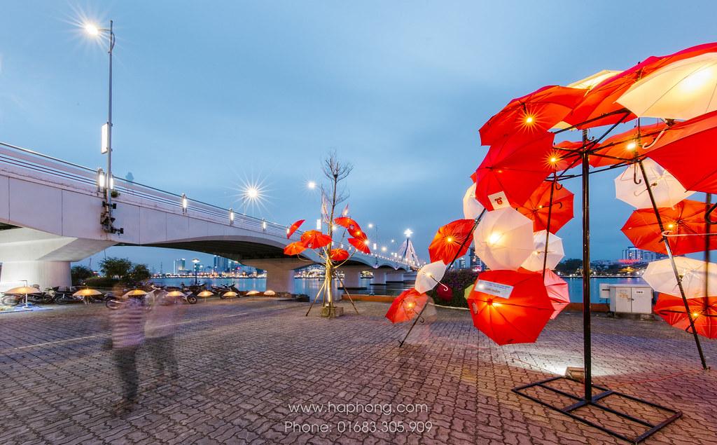 """Rực rỡ sắc màu cùng nghệ thuật sắp đặt Dù tại Đà Nẵng """"Nắng tháng ba"""" 06"""