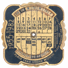 Perpetual calendar medal