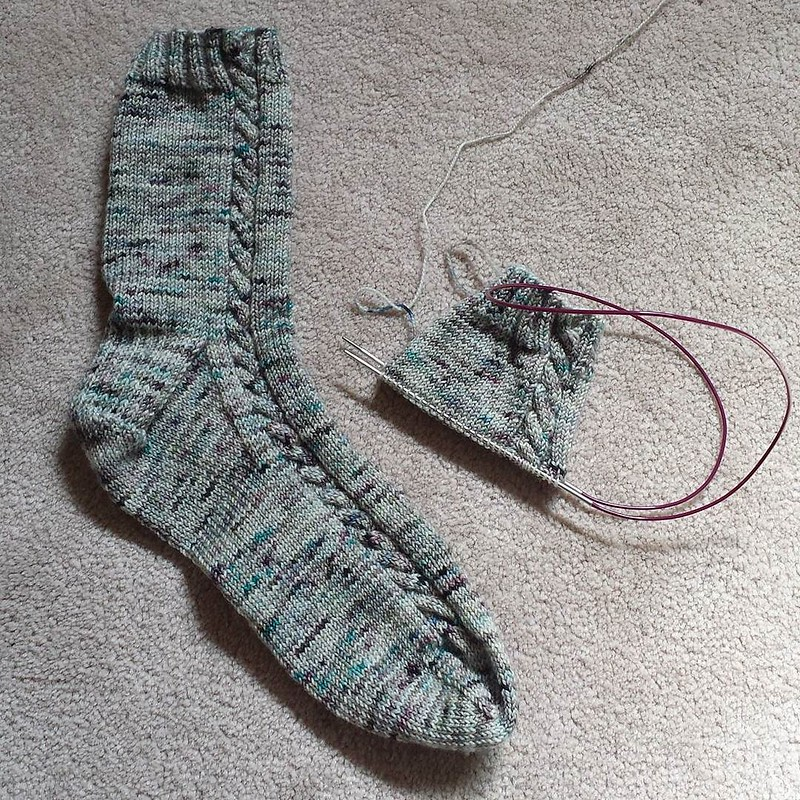 Maybe I'll have another pair of socks after the weekend? #knittersofinstagram #socktawk #craftastherapy #hawthornandwool #socksonaplane