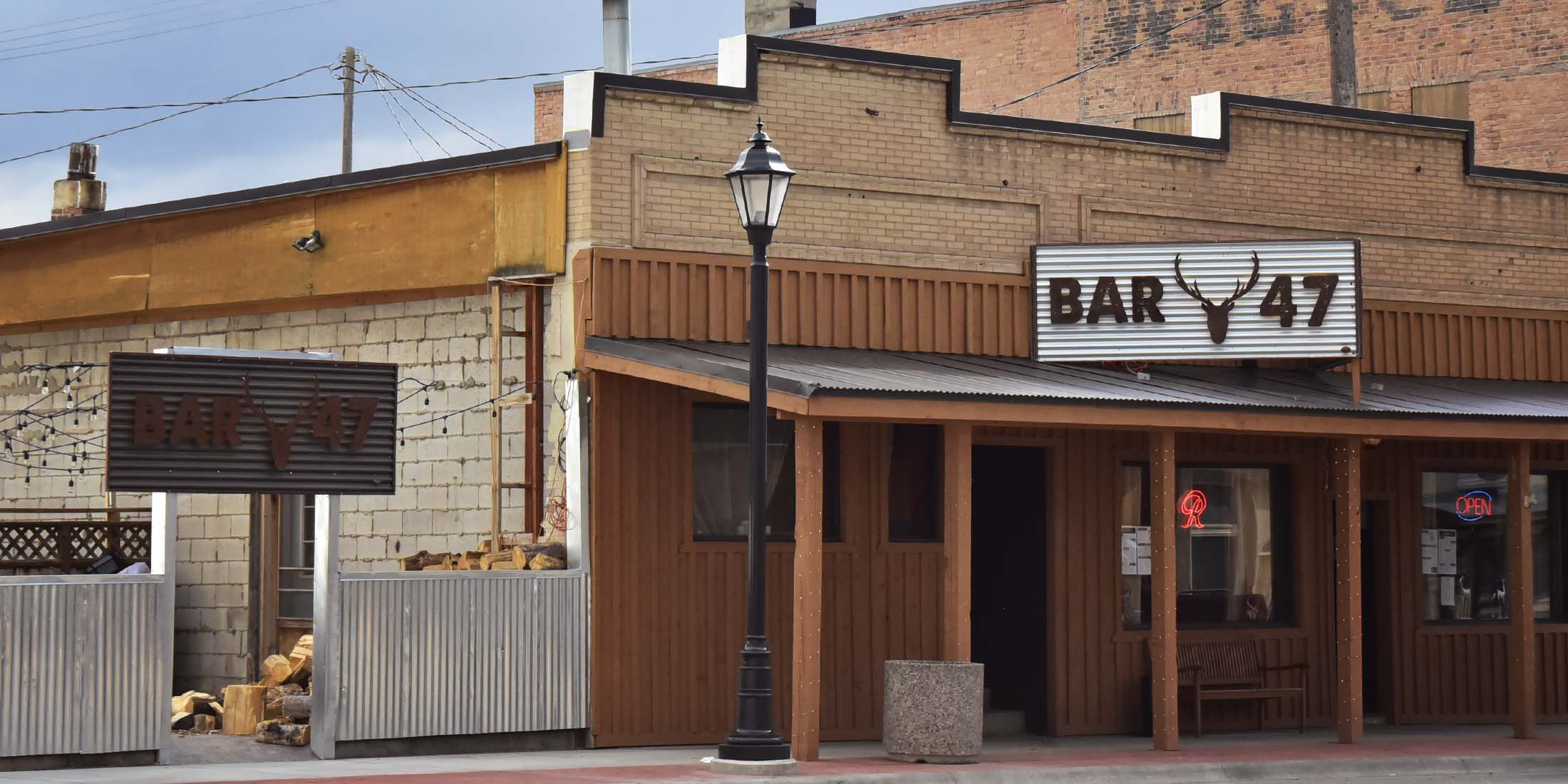 Information about food and drink services at Bar-47 located on Main Street, Highway 89, in White Sulphur Springs, Meagher County, Montana.