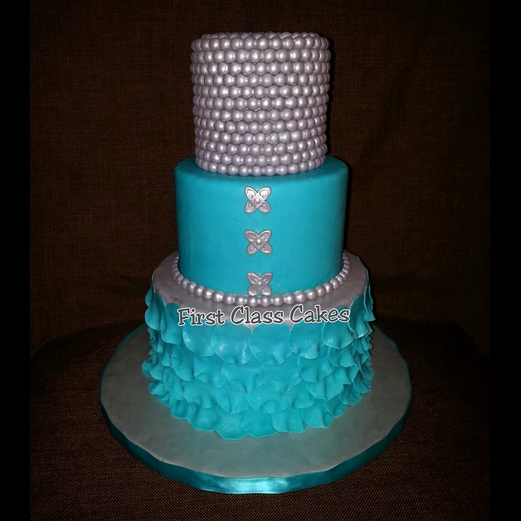 Silver Pearls & Tiffany Blue Petals Cake