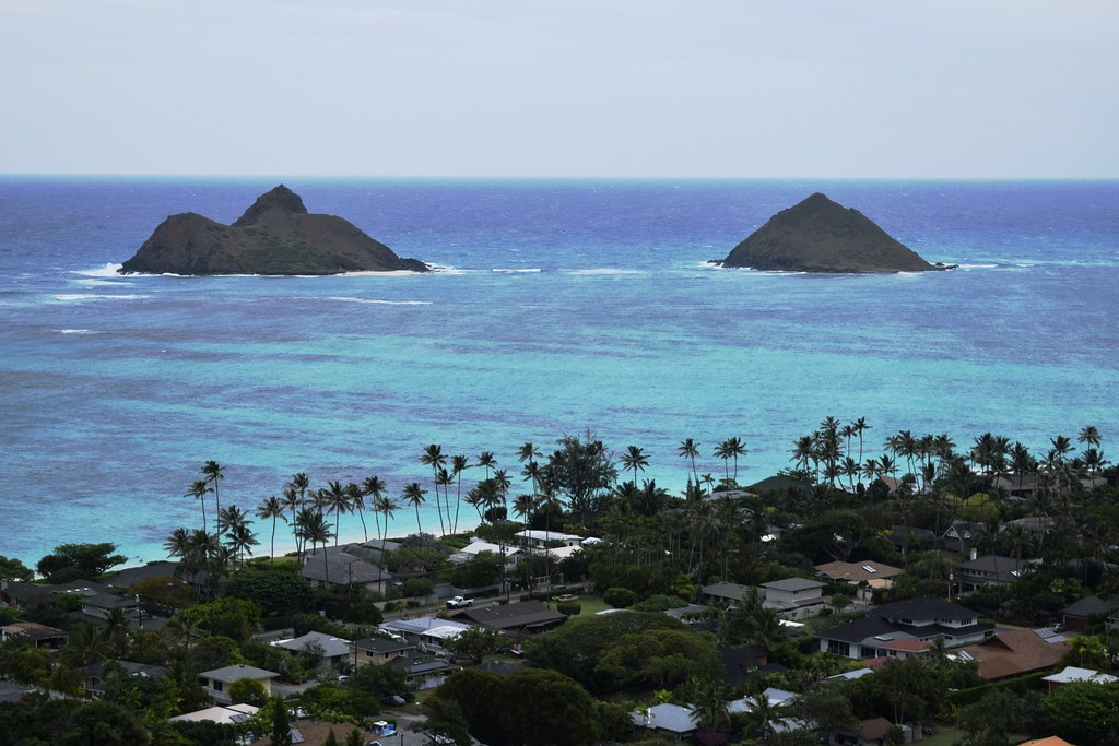 View of the Mokulua islands | The Mokulua Islands, the two ...