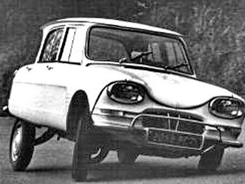 citroen-ami6-in-curve
