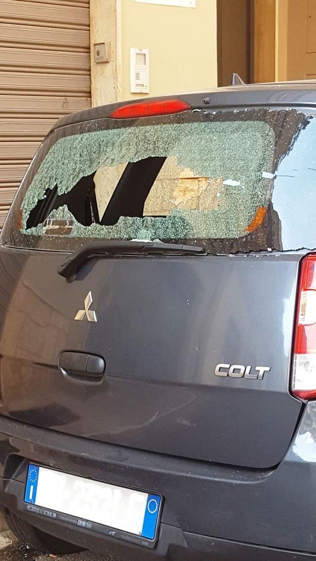 Noicattaro. Auto danneggiata intero2