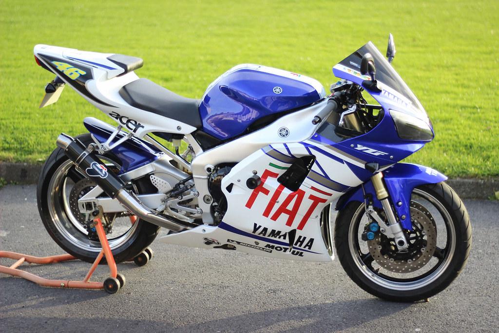 Yamaha R Replica