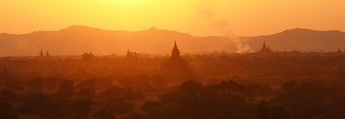 Sunset over Bagan (Myanmar 2013) | by paularps
