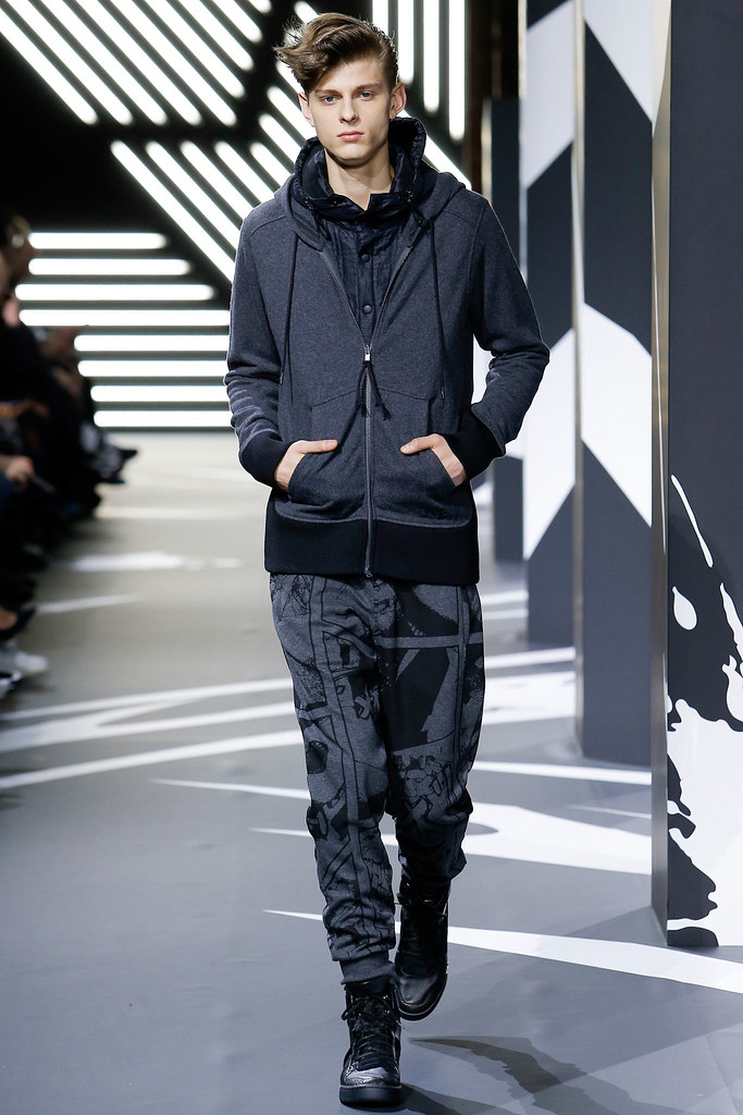 Elvis Jankus3185_FW14 Paris Y-3(vogue.co.uk)