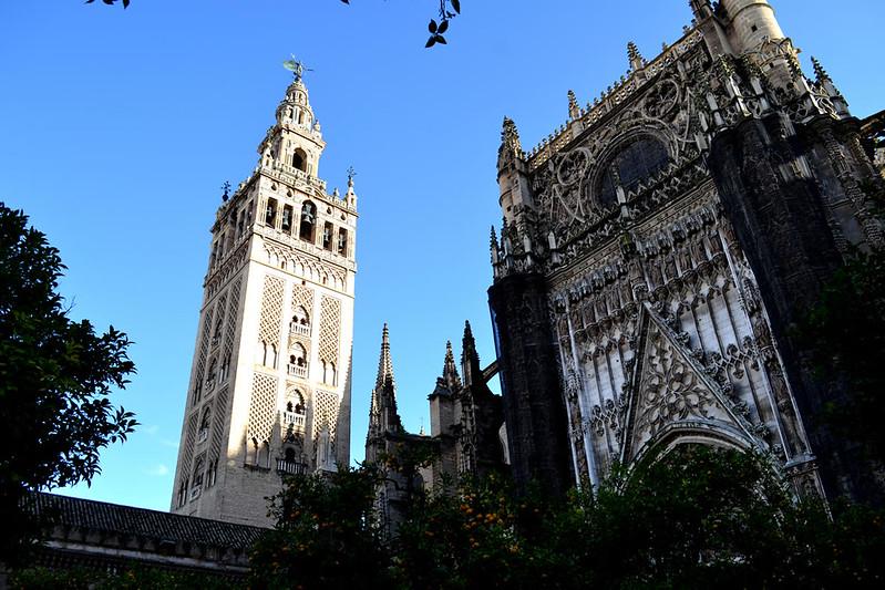 Catedral de Sevilla y la Giralda, iconos de España.