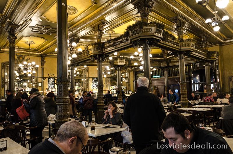 escapada a Pamplona café Iruña
