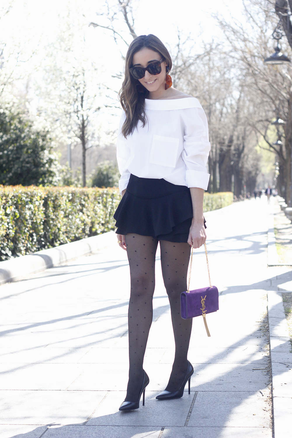 Ruffled shorts white shirt saint lauren bag céline outfit style02