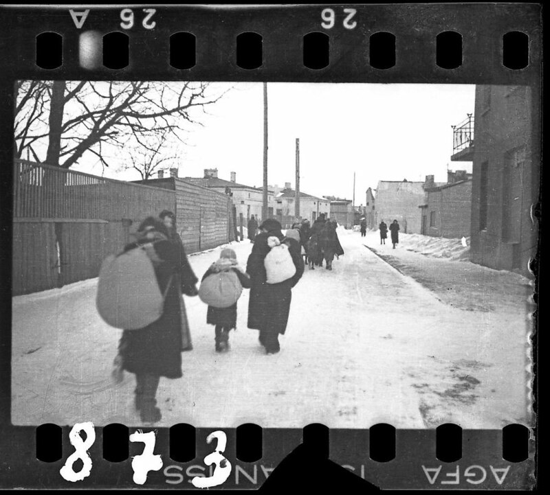 holocaust-lodz-ghetto-photography-henryk-ross-22-58e205fa3221f__880