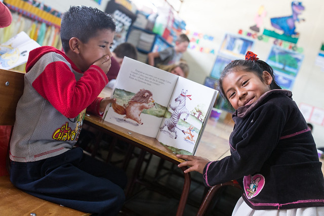 Guatemalan primary school students reading