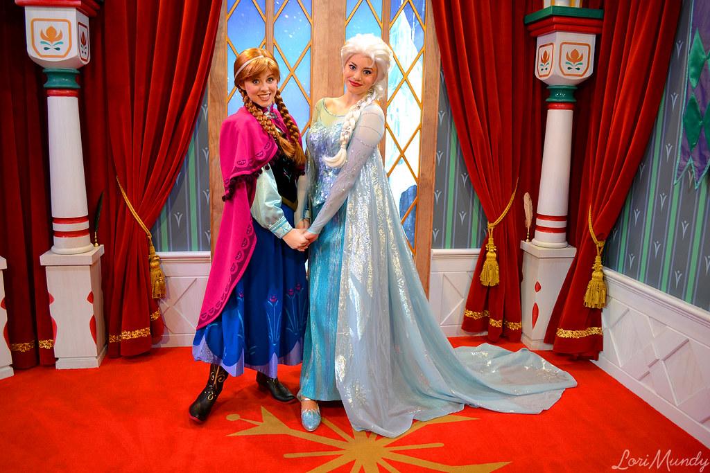 Anna And Elsa Disneylori Flickr