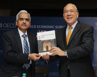 Presentation of the Economic Outlook of India