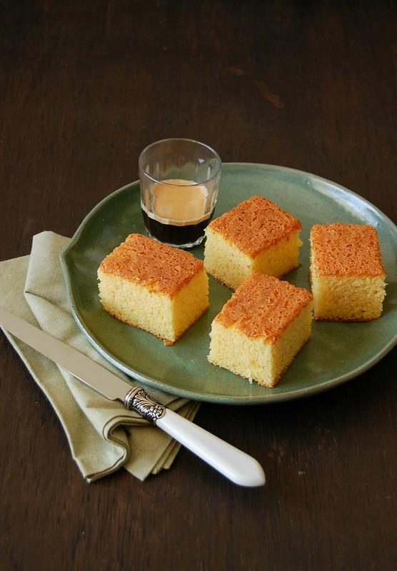 Bolo de fubá da tia Angélica / Brazilian corn flour cake